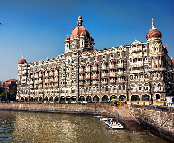 Watch the Gateway of India from the Taj Mahal Palace, Mumbai