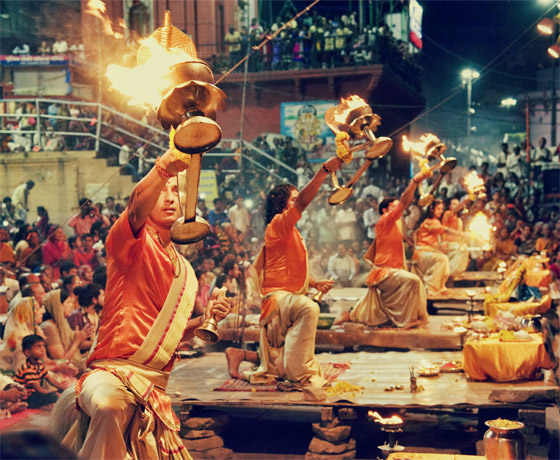 Evening 'arti' at the ghats of Varanasi. Experience the spiritual India and learn about Hindu religious practices