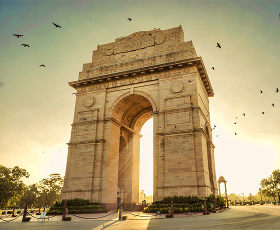Visit the The India Gate, New Delhi on your private sightseeing tour with us